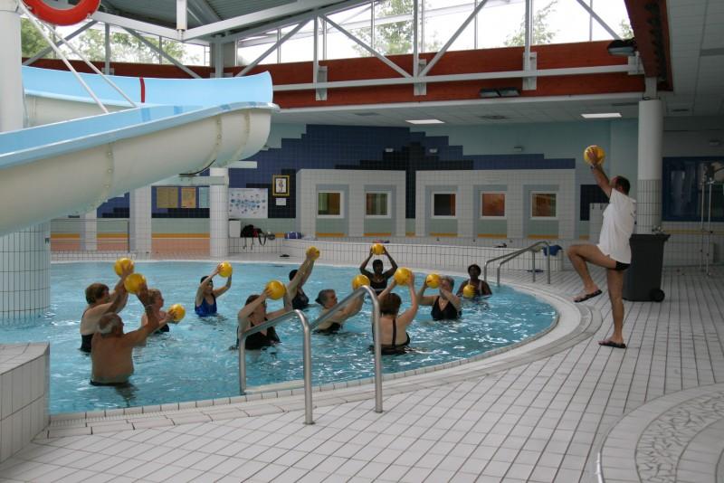 Aquagym la retraite sportive et culturelle de l 39 hautil for Piscine vaureal